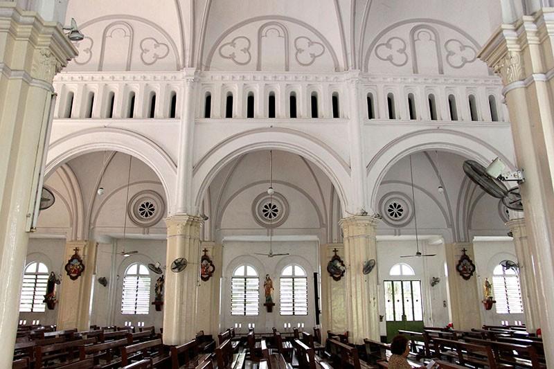 Cận cảnh nhà thờ Chợ Quán cổ nhất Sài Gòn - ảnh 11