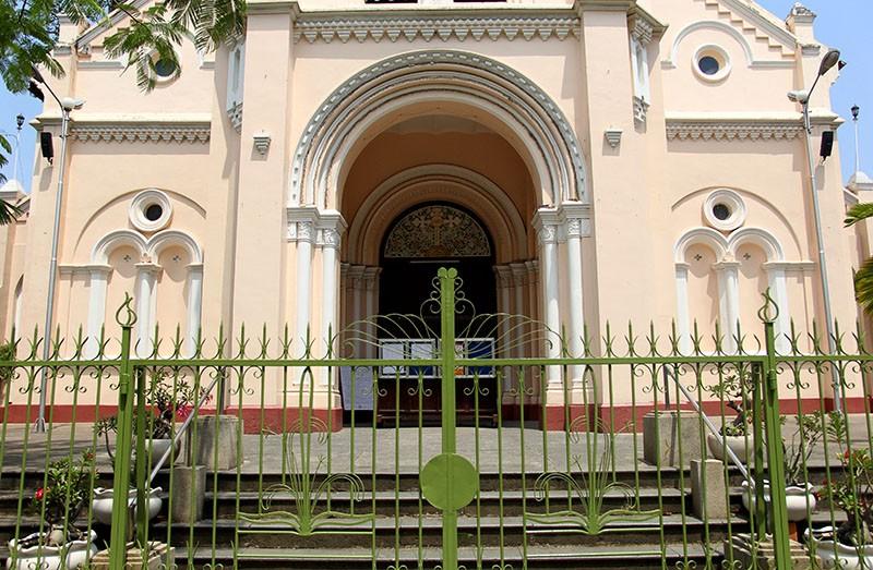 Cận cảnh nhà thờ Chợ Quán cổ nhất Sài Gòn - ảnh 3