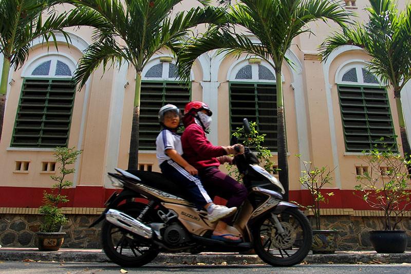 Cận cảnh nhà thờ Chợ Quán cổ nhất Sài Gòn - ảnh 5