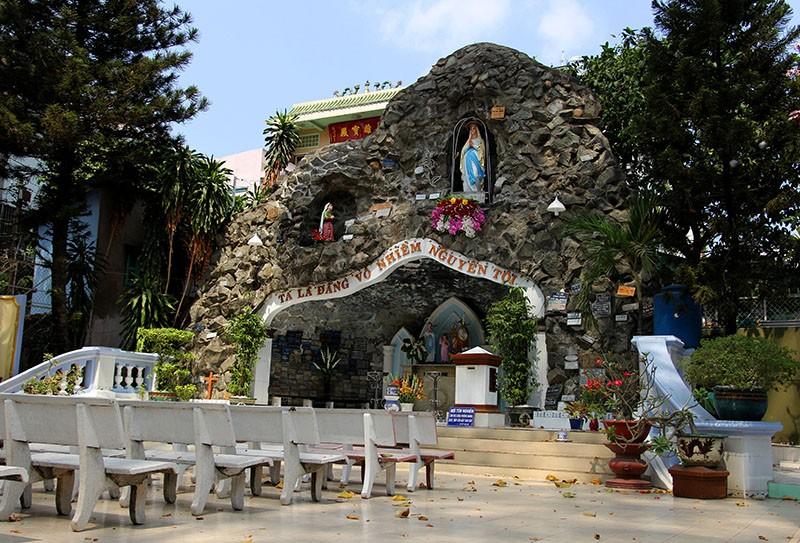 Cận cảnh nhà thờ Chợ Quán cổ nhất Sài Gòn - ảnh 7