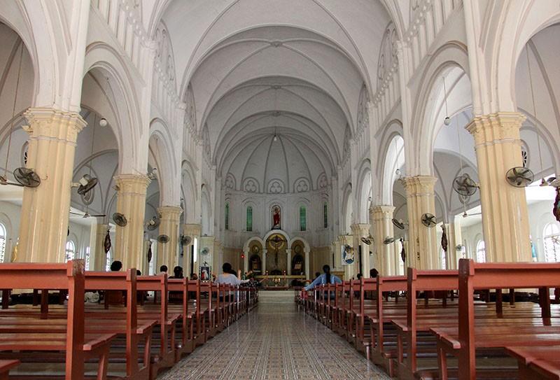 Cận cảnh nhà thờ Chợ Quán cổ nhất Sài Gòn - ảnh 8