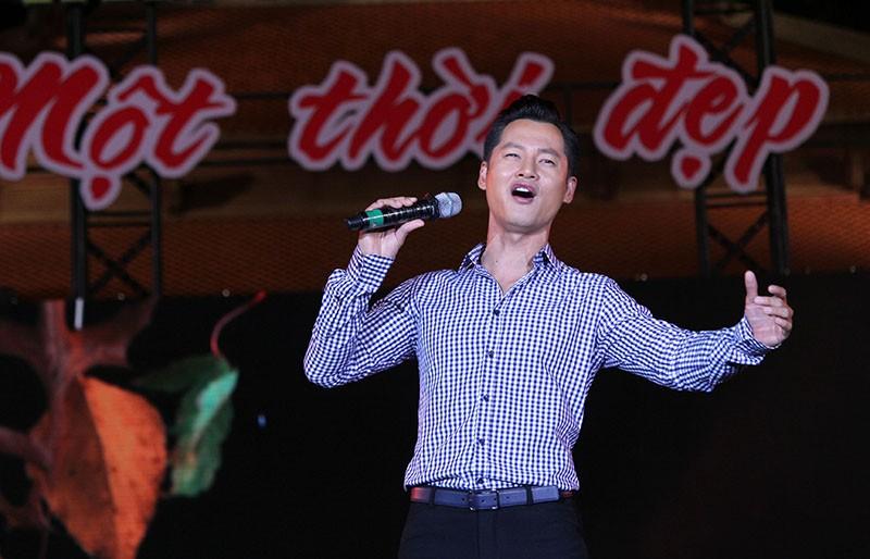 Nguyên Bí thư Thành ủy Lê Thanh Hải cùng hát với thanh niên xung phong - ảnh 7