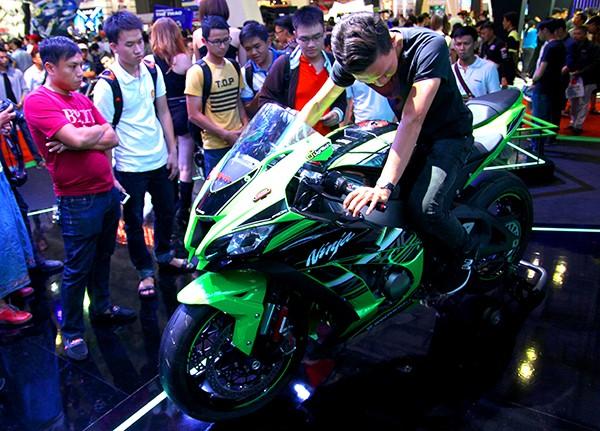 Siêu mô tô chào bán tại Việt Nam với giá 549 triệu đồng - ảnh 1