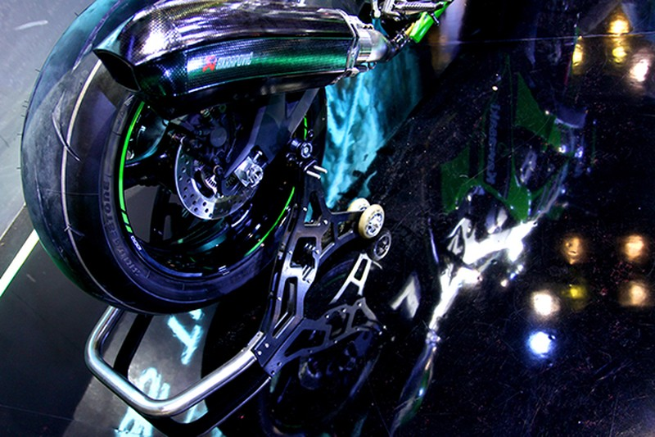 Siêu mô tô chào bán tại Việt Nam với giá 549 triệu đồng - ảnh 6