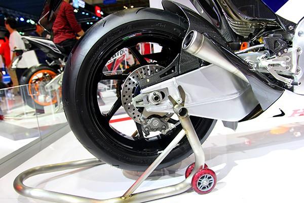 Siêu mô tô giá 5,5 tỉ đồng gây 'bão' tại Vietnam Motorcycle Show - ảnh 7