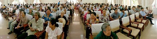 Báo Pháp Luật TP.HCM trao 200 phần quà cho người nghèo Nhà Bè - ảnh 5