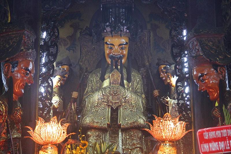Cận cảnh ngôi chùa 100 tuổi sắp được Tổng thống Obama viếng thăm - ảnh 9