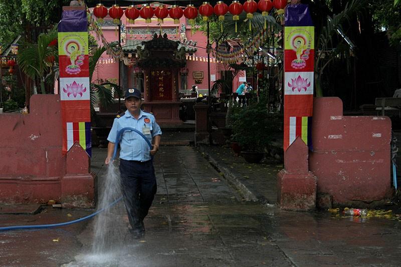 Thắt chặt an ninh chùa Ngọc Hoàng trước giờ Tổng thống Obama đến thăm  - ảnh 3