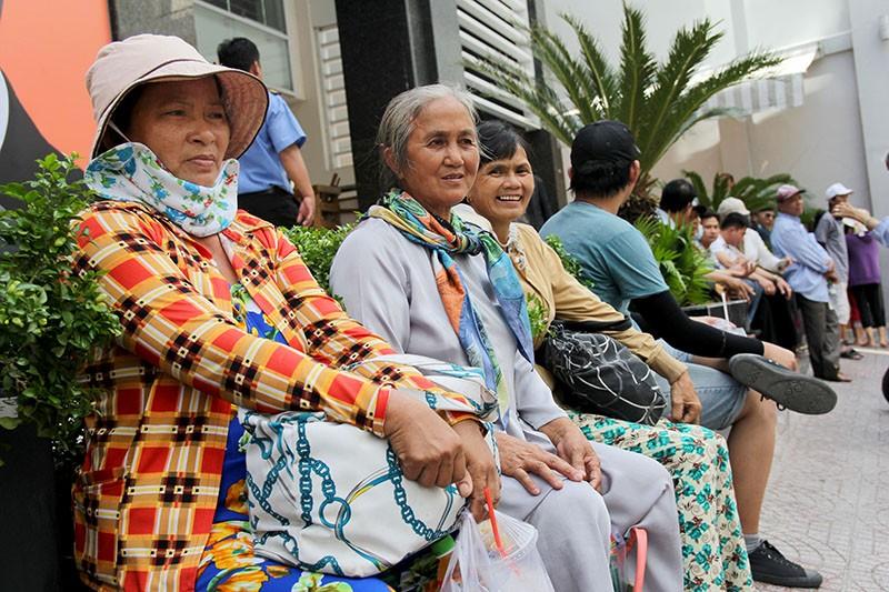 Người Sài Gòn đổ xô đi 'xem mặt' Tổng thống Obama - ảnh 9