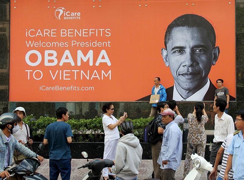 Người Sài Gòn đổ xô đi 'xem mặt' Tổng thống Obama - ảnh 10