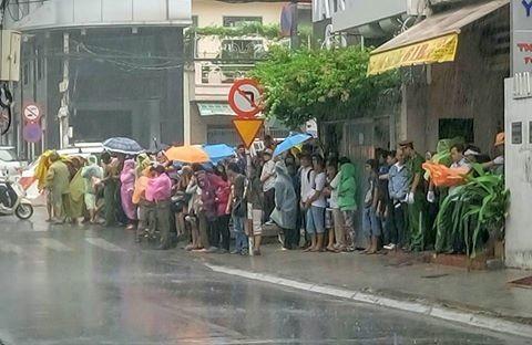 Người Sài Gòn đổ xô đi 'xem mặt' Tổng thống Obama - ảnh 15