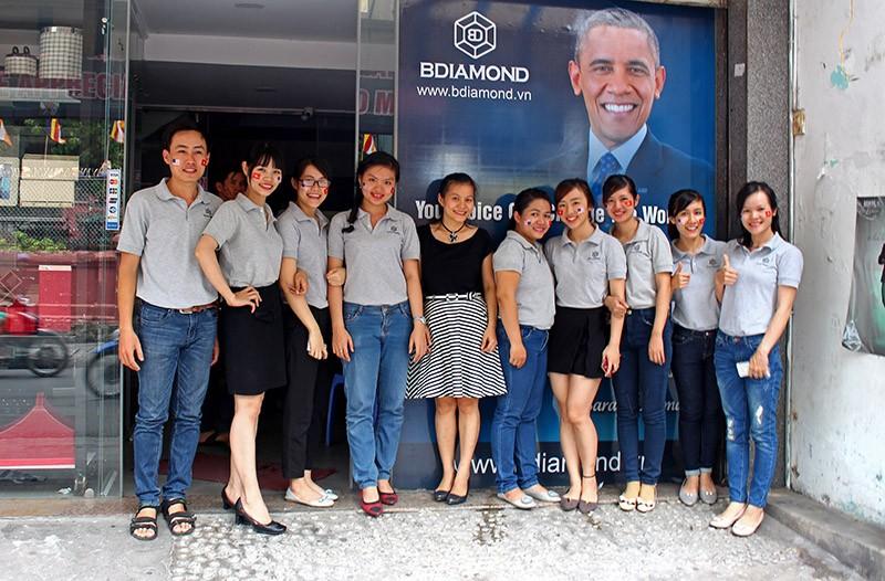 Người Sài Gòn đổ xô đi 'xem mặt' Tổng thống Obama - ảnh 12