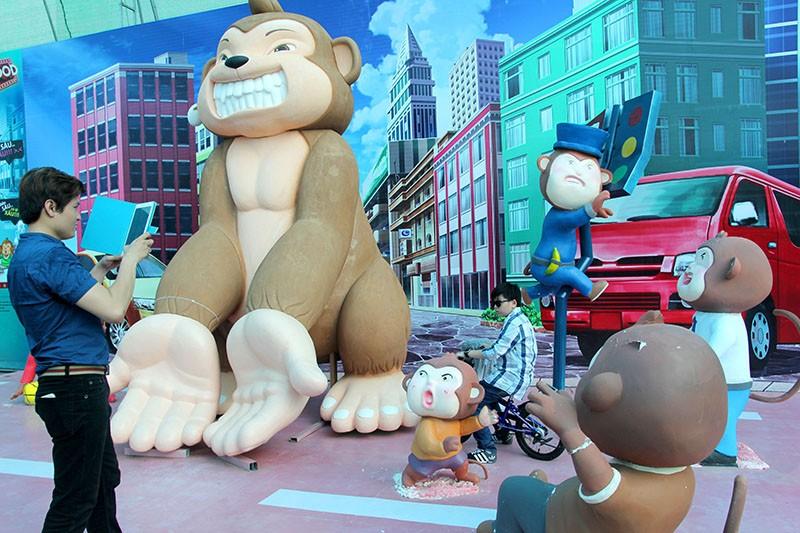 Lộ diện 101 chú khỉ trong khu vui chơi Hollywood tại TP.HCM - ảnh 6