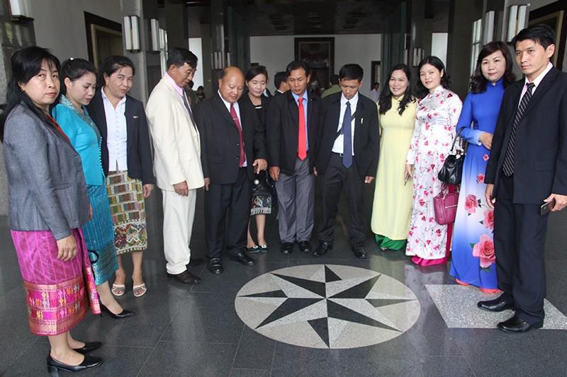 Đoàn tư pháp tỉnh Luang prabang thăm Sở tư pháp TP.HCM - ảnh 18