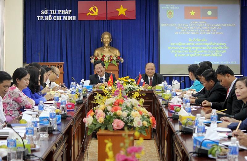 Đoàn tư pháp tỉnh Luang prabang thăm Sở tư pháp TP.HCM - ảnh 1