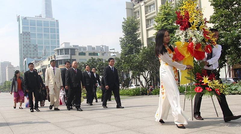 Đoàn tư pháp tỉnh Luang prabang thăm Sở tư pháp TP.HCM - ảnh 9