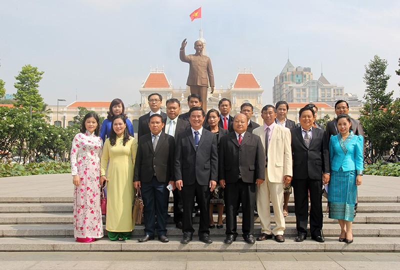 Đoàn tư pháp tỉnh Luang prabang thăm Sở tư pháp TP.HCM - ảnh 12
