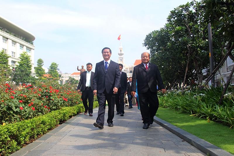 Đoàn tư pháp tỉnh Luang prabang thăm Sở tư pháp TP.HCM - ảnh 13