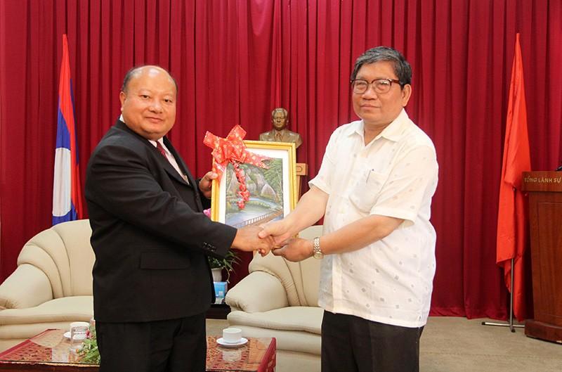 Đoàn tư pháp tỉnh Luang prabang thăm Sở tư pháp TP.HCM - ảnh 8