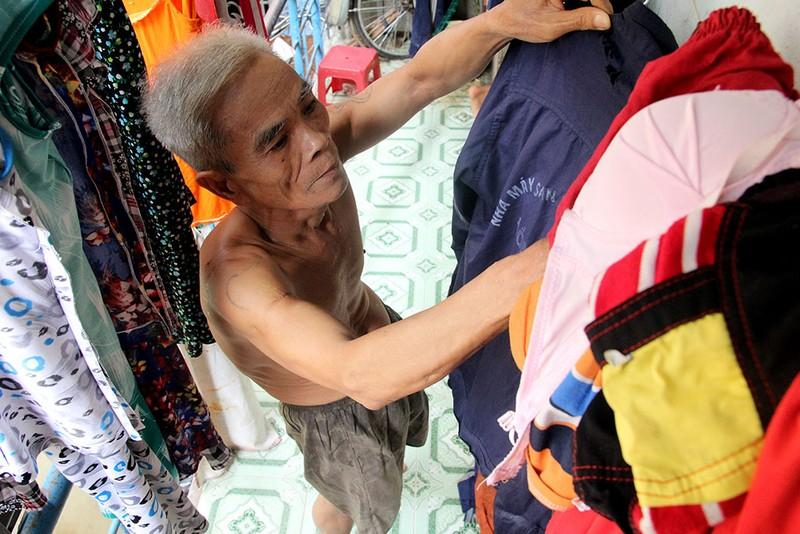 Cuộc sống của 'Đại gia đình' 37 người bán vé số ở Sài Gòn  - ảnh 11