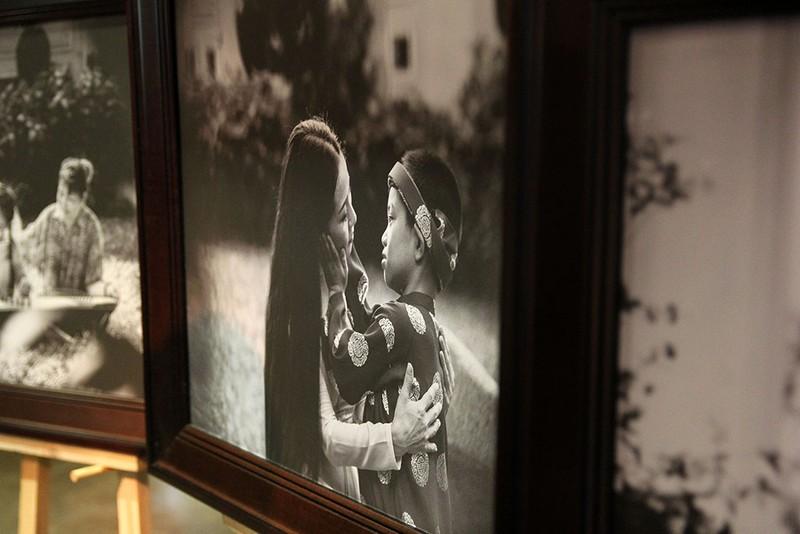 Đại ca Thành 'trọc' triển lãm ảnh Sen tuyệt đẹp mùa Vu Lan - ảnh 10