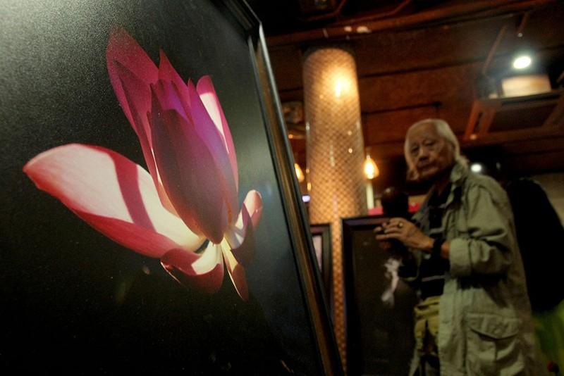Đại ca Thành 'trọc' triển lãm ảnh Sen tuyệt đẹp mùa Vu Lan - ảnh 9