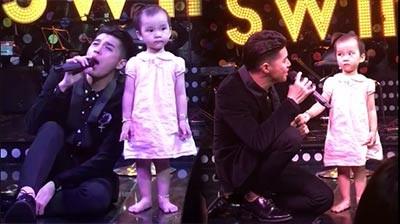 """Video: Em bé """"đứng hình"""" khi nghe Noo Phước Thịnh hát"""