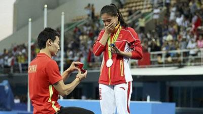Màn cầu hôn lãng mạn của ngôi sao nhảy cầu TQ tại Olympic Rio 2016