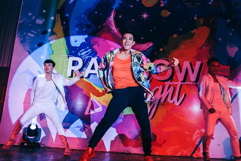 Dàn sao Việt đốt cháy sân khấu mừng 'tết' của cộng đồng LGBT - ảnh 3