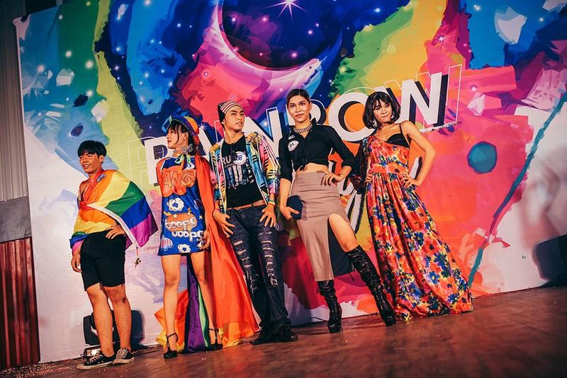 Dàn sao Việt đốt cháy sân khấu mừng 'tết' của cộng đồng LGBT - ảnh 5