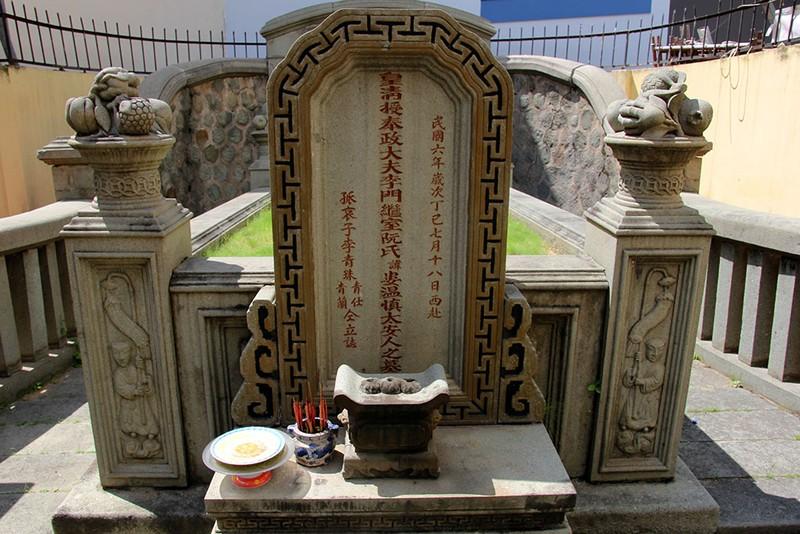 Choáng ngợp trước khu mộ cổ của vợ chồng bá hộ giàu nhất Sài Gòn xưa - ảnh 18