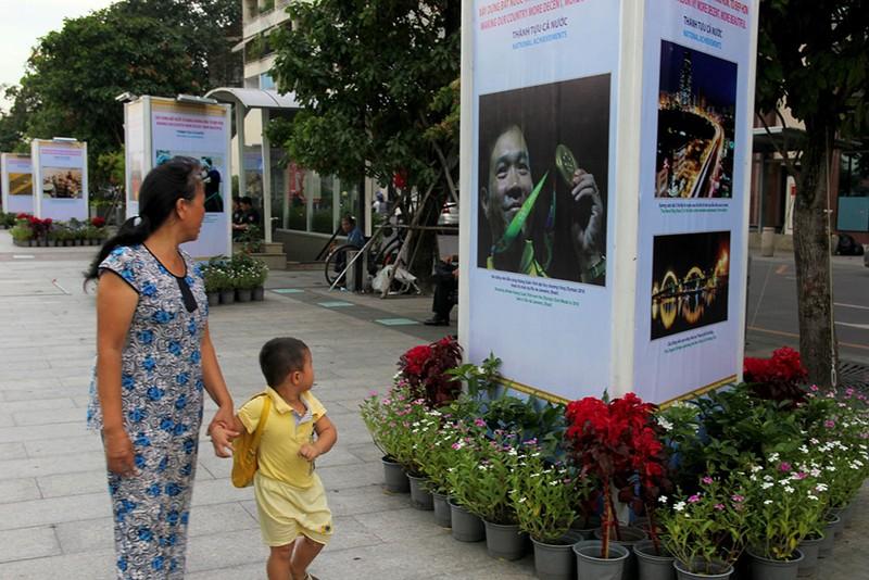 TP.HCM triển lãm kỷ niệm 71 Cách mạng Tháng Tám và Quốc khánh 2-9 - ảnh 2
