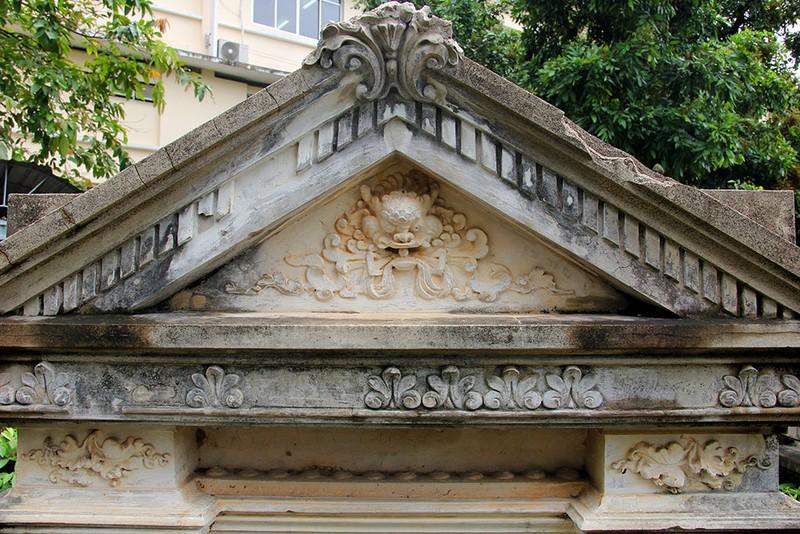 Mộ cổ kiến trúc Pháp trong khuôn viên Học viện Chính trị - Hành chính khu vực II - ảnh 4