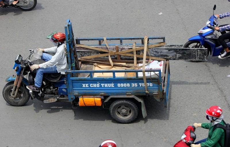 Xe chở tôn nhan nhản mọi nẻo đường  - ảnh 10