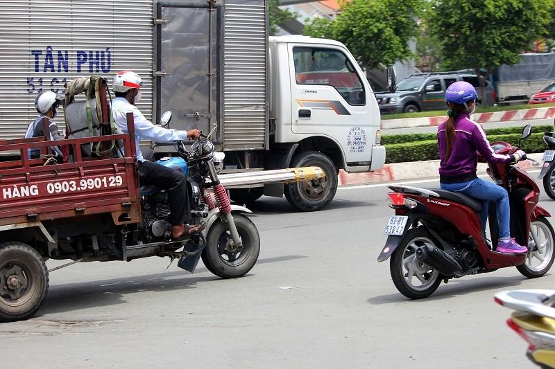 Xe chở tôn nhan nhản mọi nẻo đường  - ảnh 8