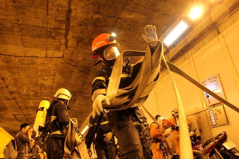 Diễn tập giải cứu 30 người bị tai nạn ở hầm Thủ Thiêm - ảnh 13