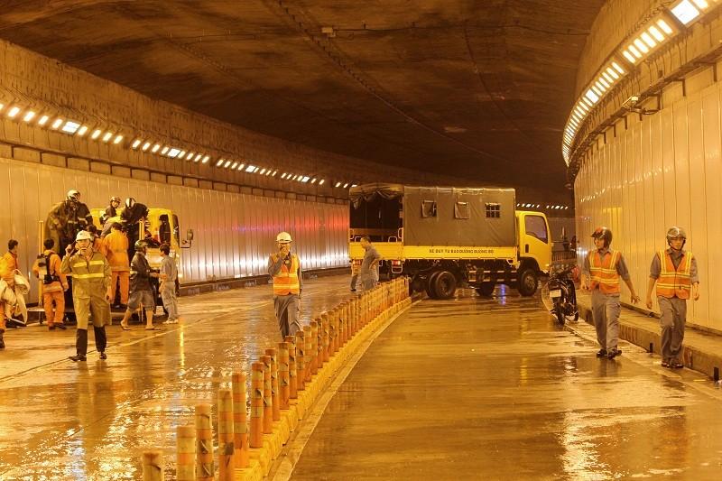 Diễn tập giải cứu 30 người bị tai nạn ở hầm Thủ Thiêm - ảnh 14