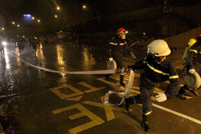 Diễn tập giải cứu 30 người bị tai nạn ở hầm Thủ Thiêm - ảnh 8