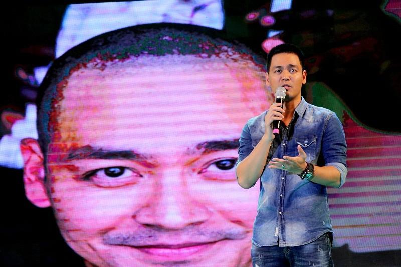 MC Phan Anh cạo đầu cam kết bảo vệ động vật hoang dã - ảnh 1