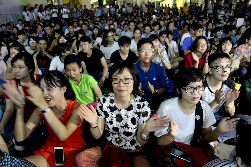 MC Phan Anh cạo đầu cam kết bảo vệ động vật hoang dã - ảnh 2