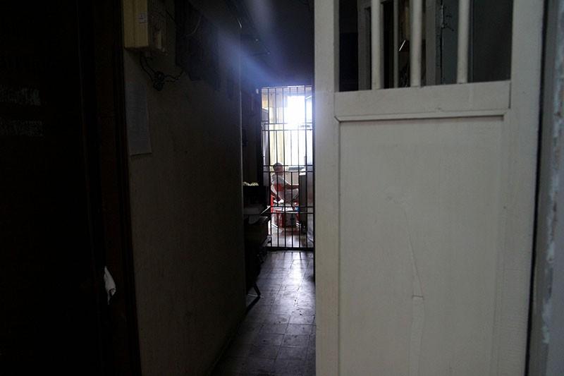 Cận cảnh chung cư ở phố Tây buộc phải di dời khẩn cấp  - ảnh 9