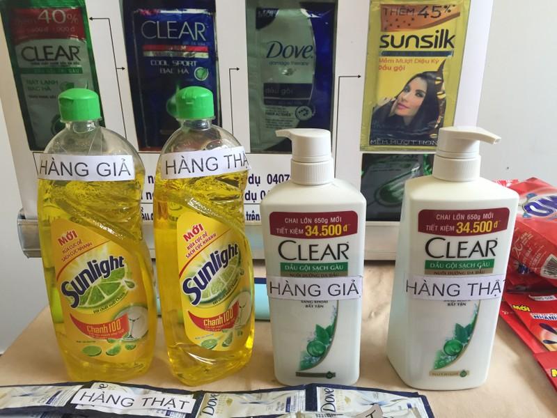 Bột giặt, dầu gội, hạt nêm… giả như thật - ảnh 3