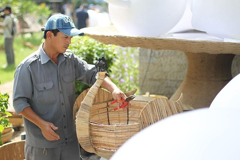"""Đại gia đình gà """"khổng lồ"""" chờ xuống phố Nguyễn Huệ - ảnh 8"""