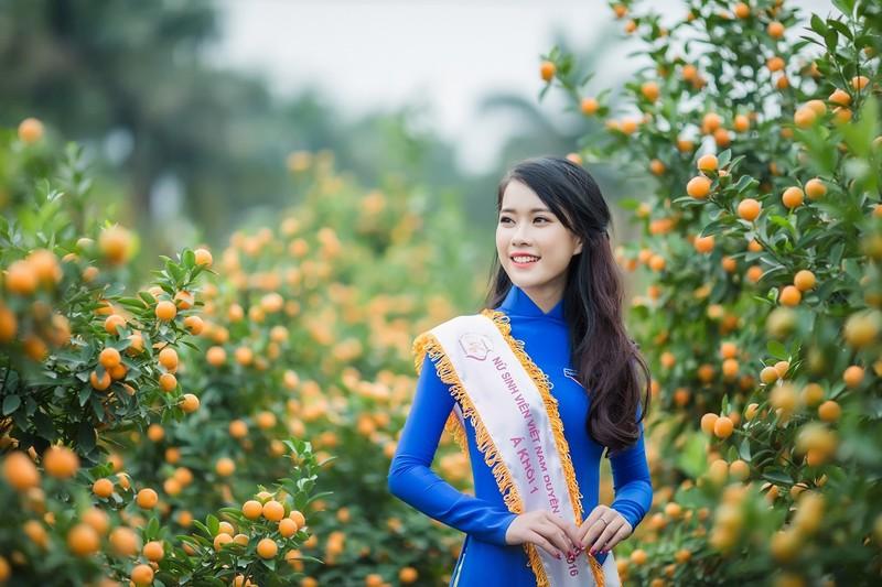 Ngắm Á khôi Nữ sinh viên VN duyên dáng bên hoa đào - ảnh 3