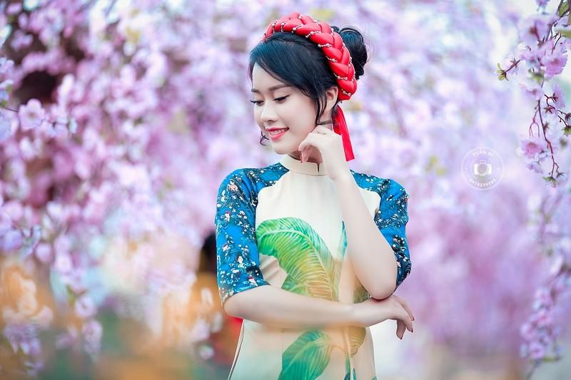 Ngắm Á khôi Nữ sinh viên VN duyên dáng bên hoa đào - ảnh 8