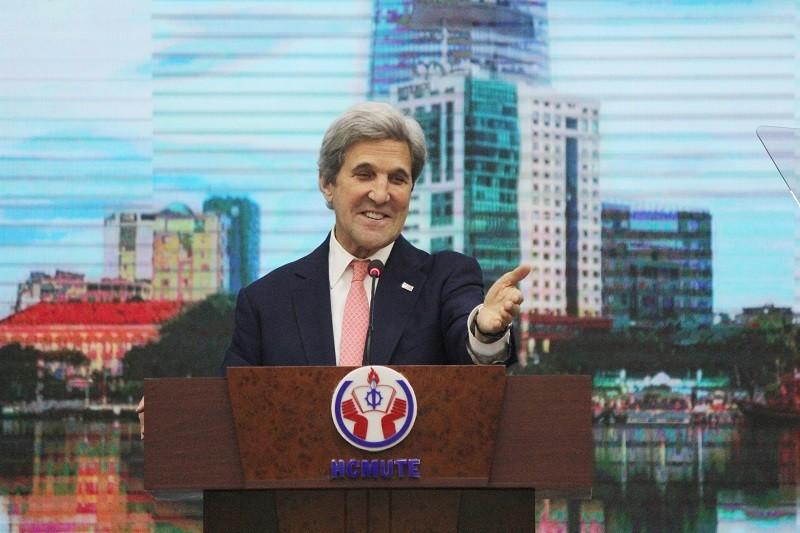 Buổi chiều bận rộn của Ngoại trưởng John Kerry ở TP.HCM - ảnh 5