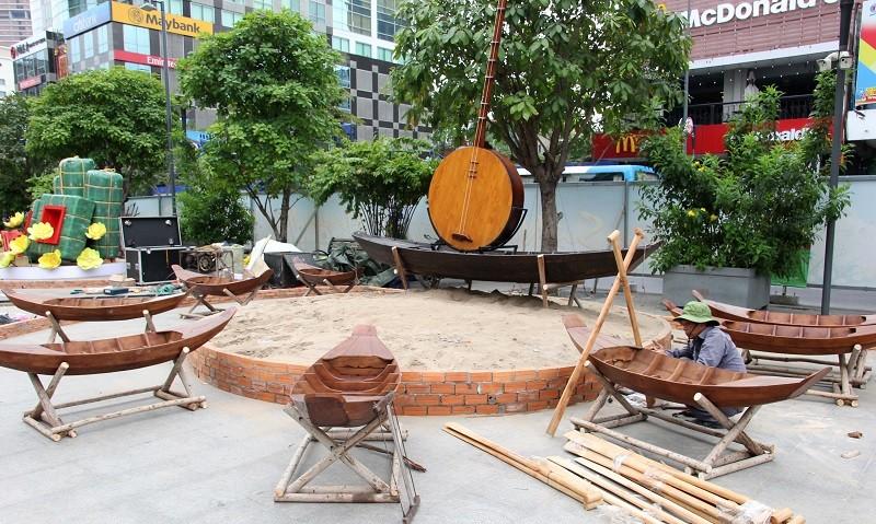 Mục kích tiến độ thi công đường hoa Nguyễn Huệ 2017 - ảnh 11