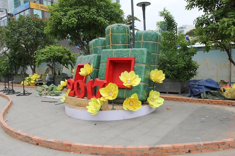 Mục kích tiến độ thi công đường hoa Nguyễn Huệ 2017 - ảnh 18
