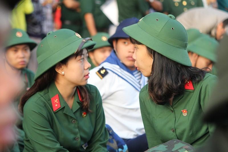 Ngắm nét đẹp của nữ xạ thủ 9x trong lễ giao quân 2017 - ảnh 10