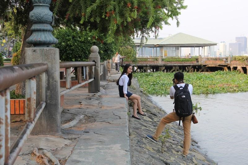 Cảnh điêu tàn trong công viên bến Bạch Đằng - ảnh 18